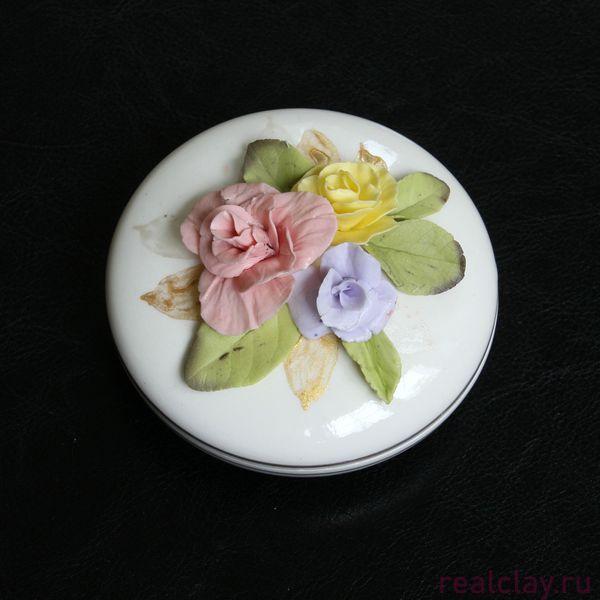 Шкатулка керамическая с розами