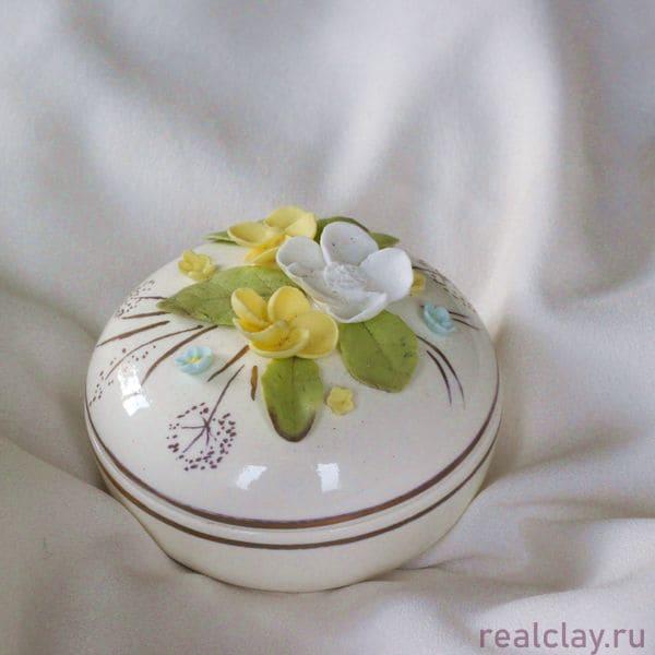 Керамическая шкатулка ручной работы